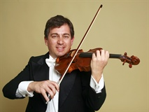 In the Pit: Roberto Cani, Concertmaster